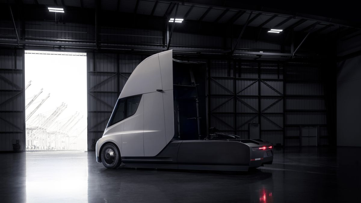 Tesla Semi Resimleri